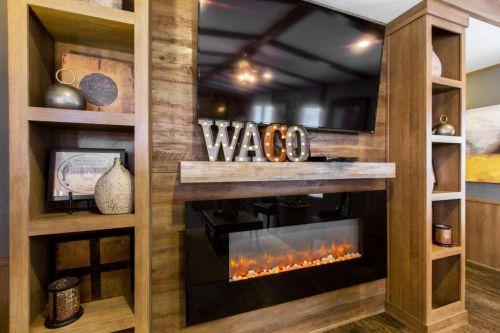 Shult The Waco6 500x333