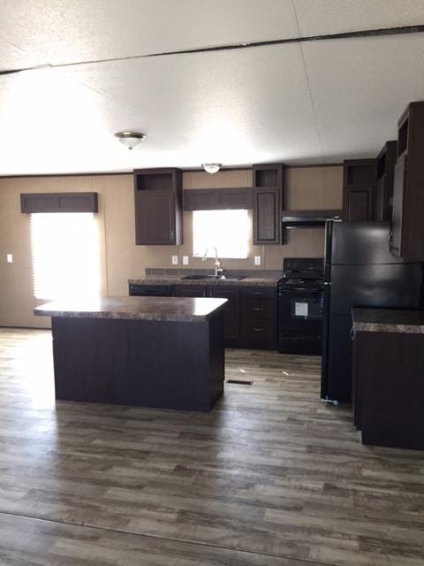 BS 32624B Kitchen 2